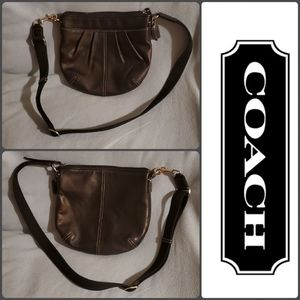 Coach leather crossbody swingpack bag